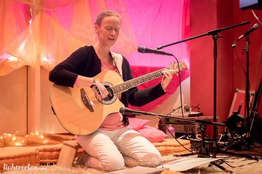 Die spirituelle Nacht der Lieder im Namaste Yoga Studio in Herrsching