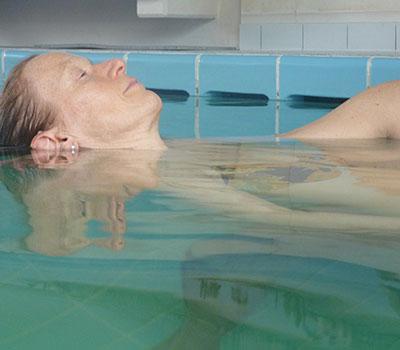 Atmen im warmen Wasser